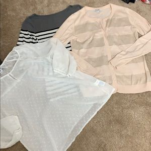 Old navy bundle 3 tops/ sweater size small